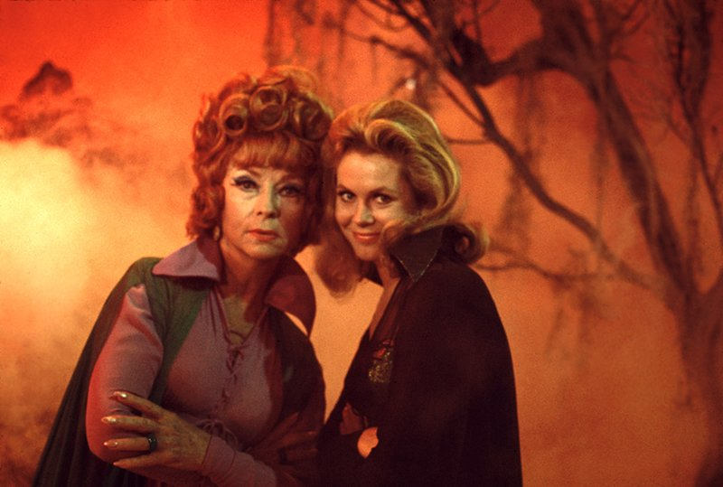18 photos of tv stars in halloween costumes to get you in