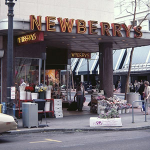 John Josiah Newberry Founded This Five And Dime Store After Working At S H Kress For 12 Years Although The Company Had 565 Stores By 1961