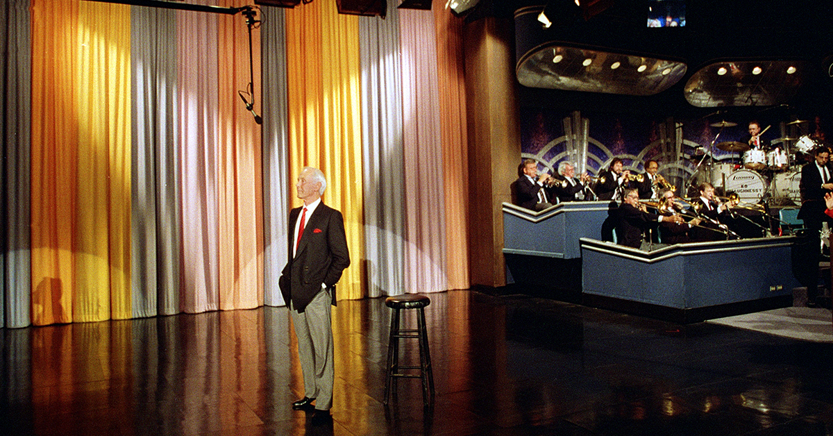 "Johnny Carson Steps Down As ""Tonight Show"" Host (May 22 ... 