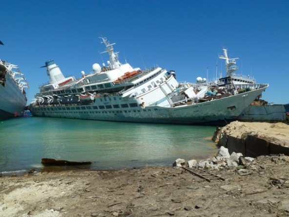 See Photos From The Final Days Of The Nowdemolished Cruise Ships - Love boat cruise ship