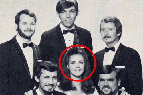 Hold up, Gary Burghoff and Lynda Carter were in a band together in the 1960s