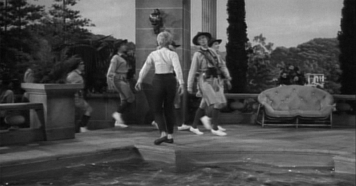 How well do you remember 39 the beverly hillbillies 39 in color for Beverly hillbillies swimming pool