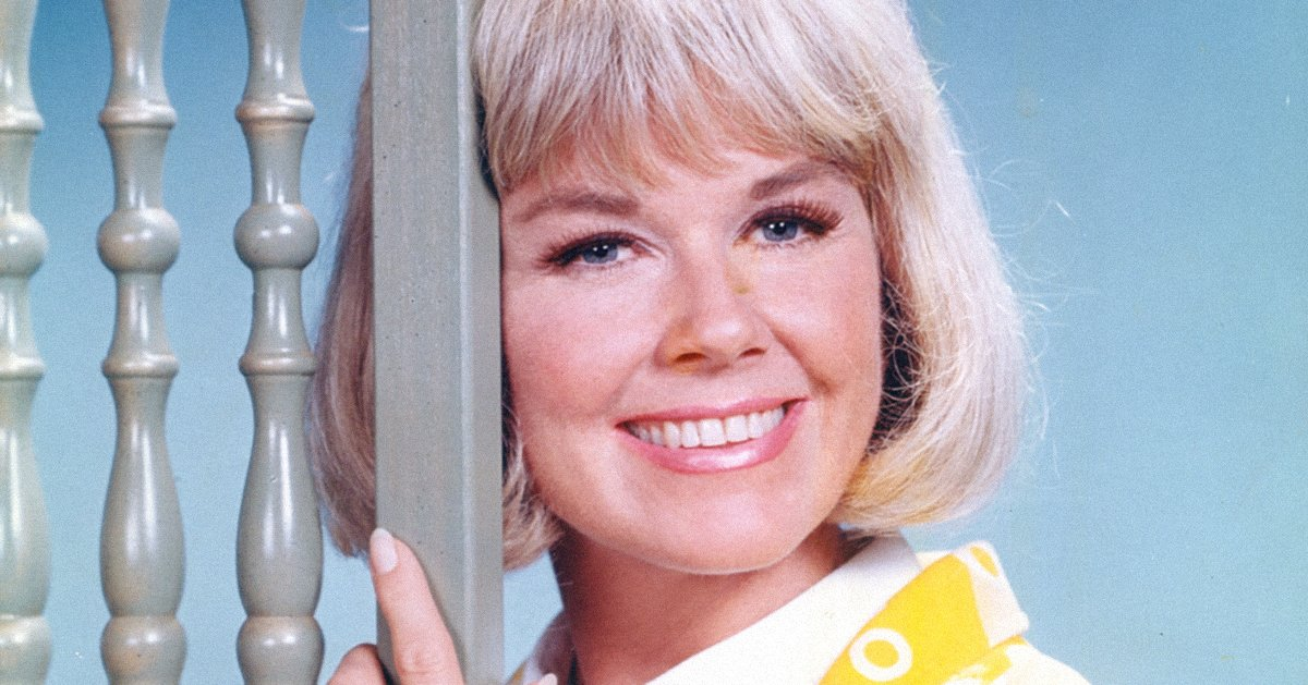 2920cefb3 This iconic singer acted in just one television series — but it happened to  be her own hit sitcom. Dinah Shore