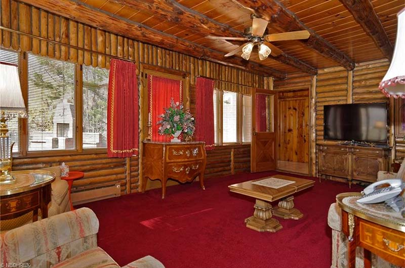 Check Out This House For Sale That S Stuck In The 1970s