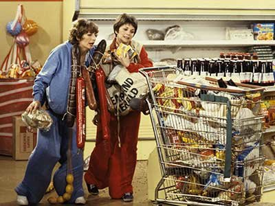 The 12 best episodes of Laverne & Shirley, as picked by