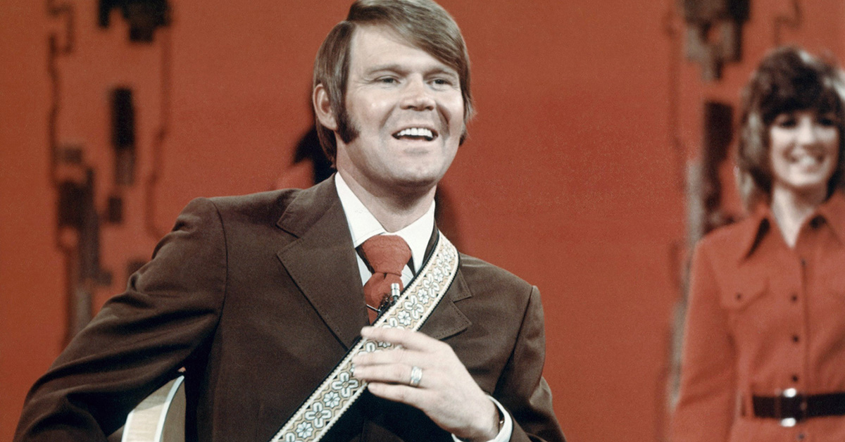 GLEN CAMPBELL, THE COUNTRY LEGEND, RHINESTONE COWBOY AND VARIETY SHOW HOST