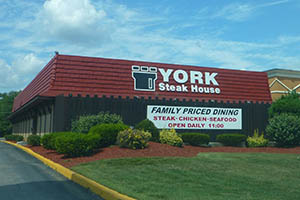 7 Extinct Steakhouse Chains You Will Never Eat At Again