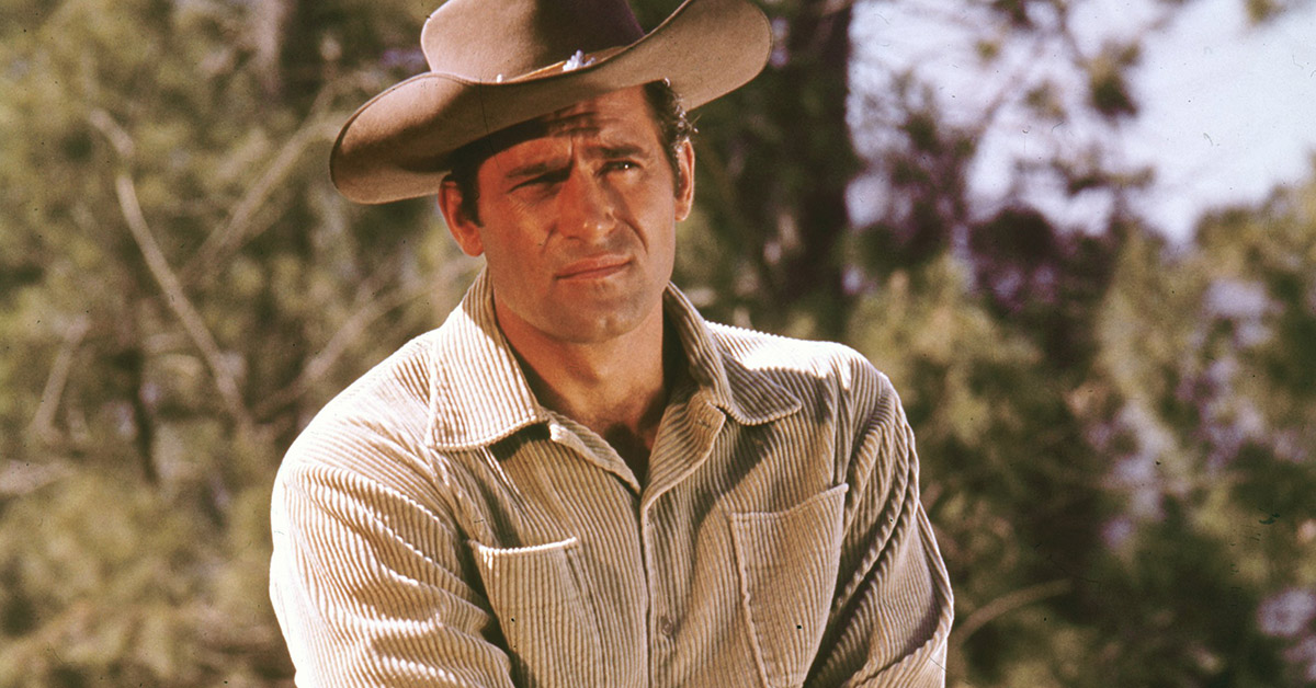 Clint Walker, the towering star of 1950s Western 'Cheyenne'