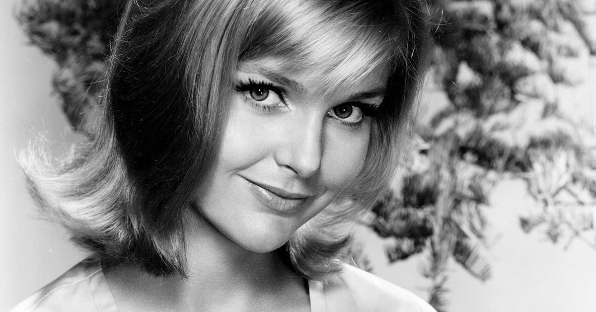 R.I.P. Carol Lynley, 1950s teen covergirl turned blonde ingénue of ...